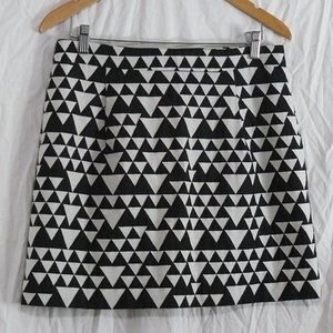 J CREW Black & White GEOMETRIC Triangle Mini Skirt